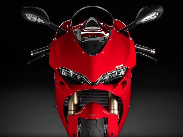 Ducati 1299 Panigale S – no need for a race bike