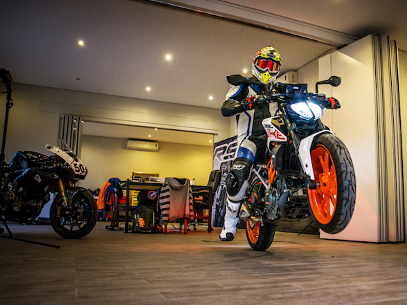 Video: is the KTM 390 Duke really ready to race?