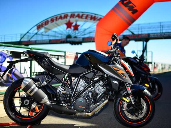 2017 KTM 1290 Super Duke RSA Launch, Red Star Raceway