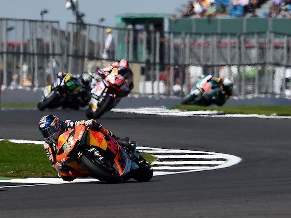 Binder rides from 20th to ninth at Silverstone
