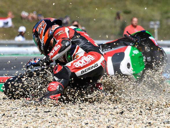 Aprilia MotoGP 2018: Lowes out, Redding in