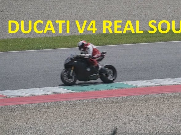 Video: The new Ducati V4 superbike caught testing again