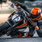 207313_KTM 790 DUKE MY 2018 feature