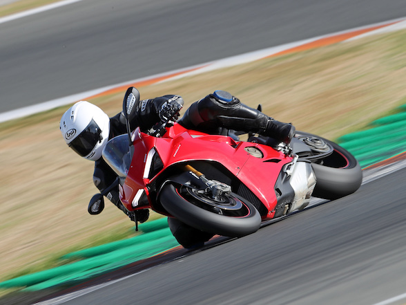 Get ready – Ducati Panigale V4 S: Track test & Gallery