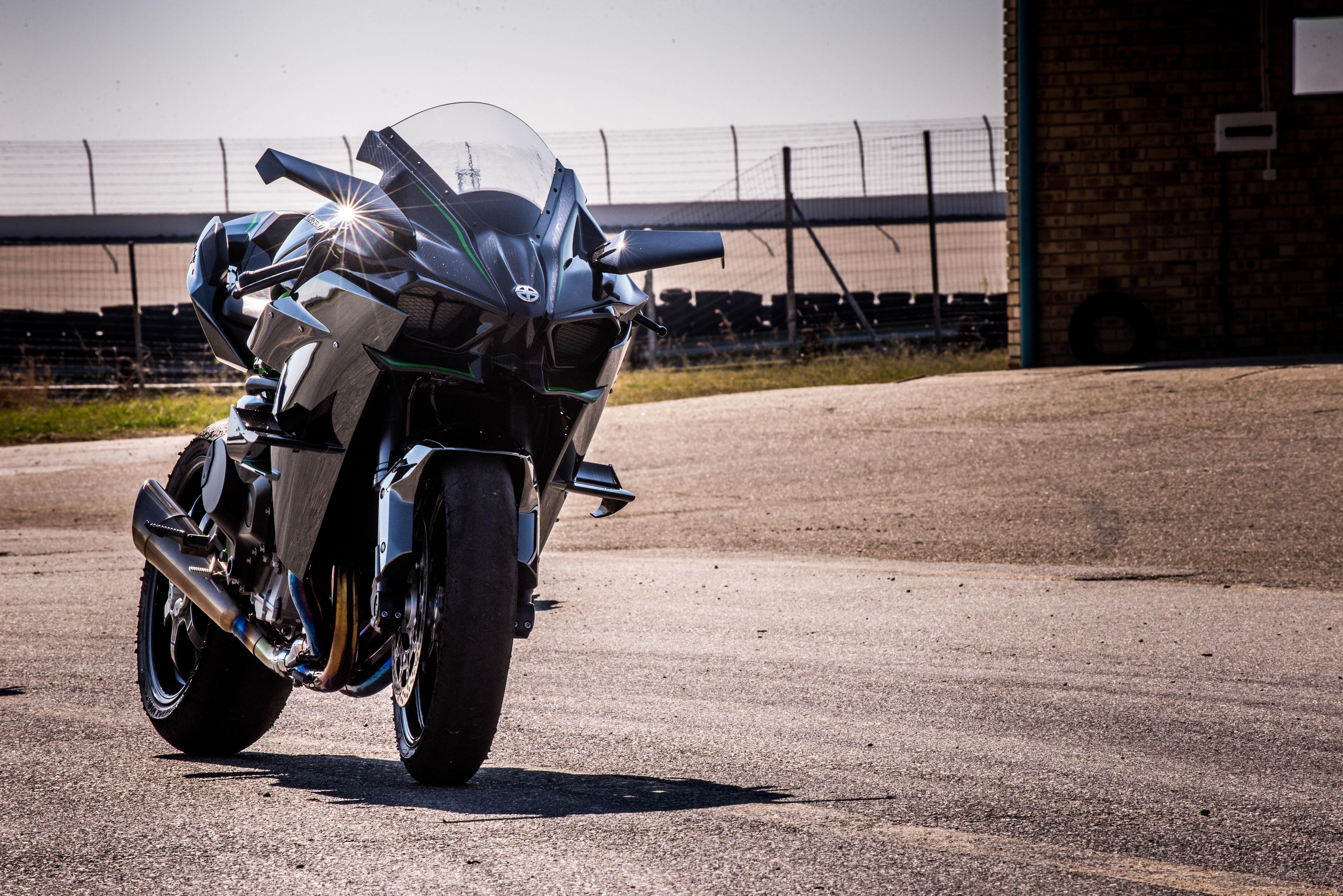 Kawasaki H2R video – behind the scenes of pure fear – The
