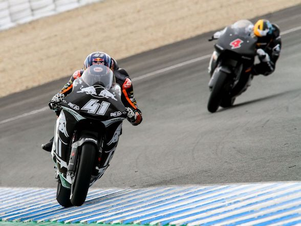 Binders and Odendaal complete first day at Jerez test
