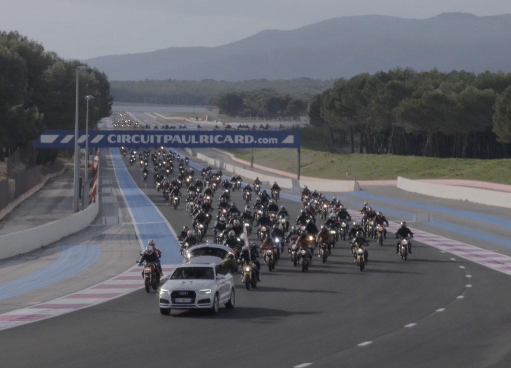 Ducati Monster Record 3ed635b383eecaf62efdd2671c49922708d9a32ef8c4d0a60dbd562ec6661f17_Monster Parade -Drone_UC65116_Mid
