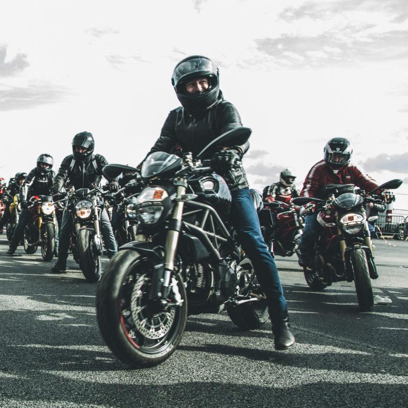 Ducati Monster Record 75e80132a38e6cfecf9f7f93f95aa9ade60e1ae95864d52218f085b339f7b149_Parade Monster - 14_UC65086_Mid