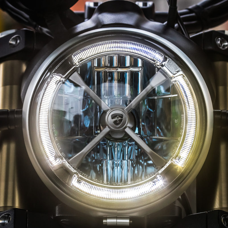 Ducati Scrambler_1100_Special_Static_044
