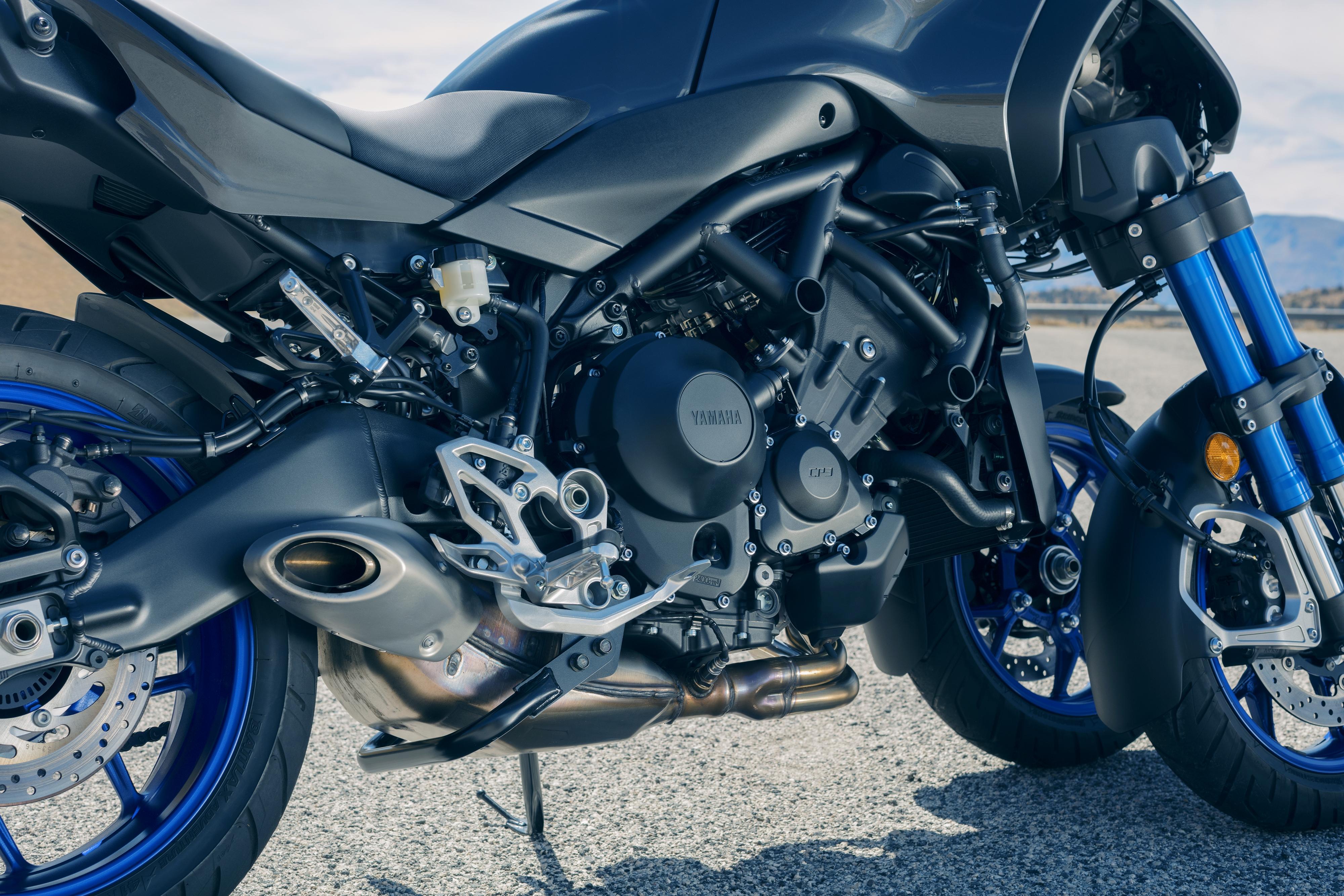 Mat Durrans On The Yamaha Niken Lean On Three The Bike Show