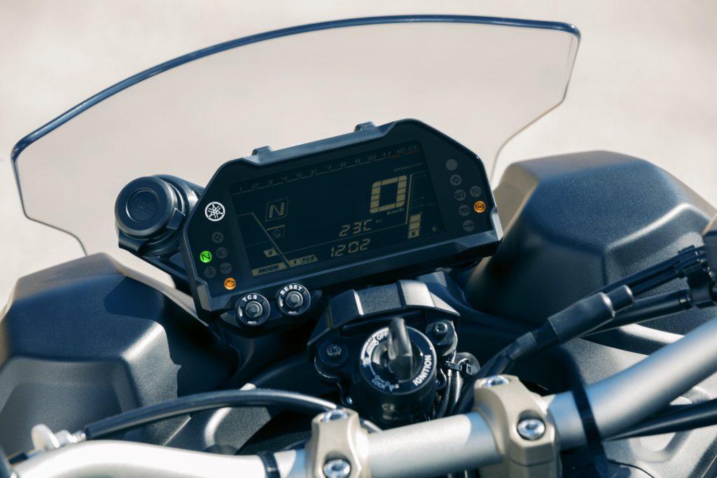 Yamaha Niken three wheeler_YAM_MXT850_EU_DNMG_DET_008-55799