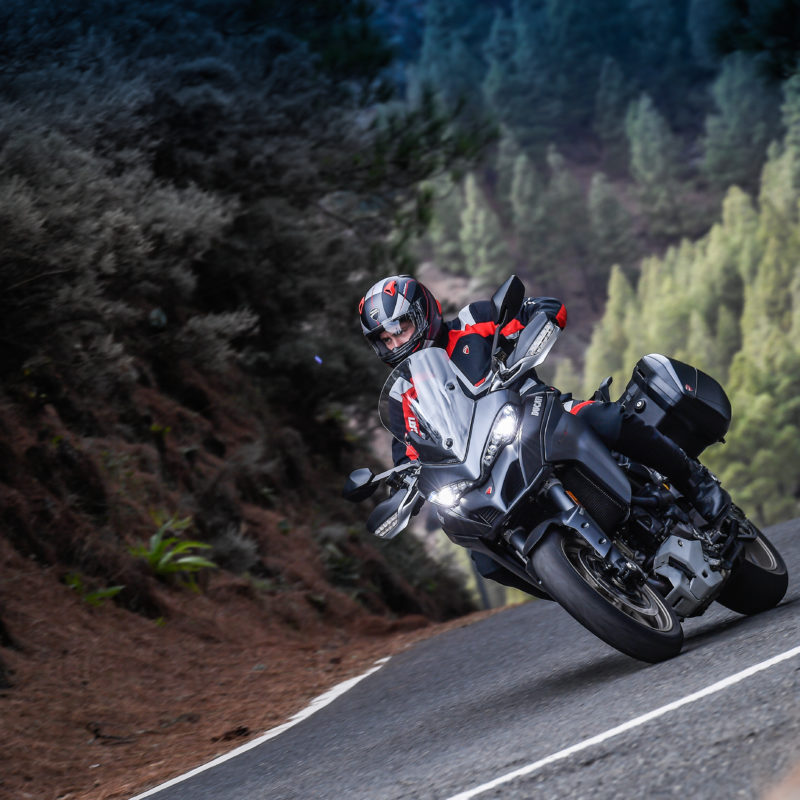 MULTISTRADA 1260 S ACTION 01