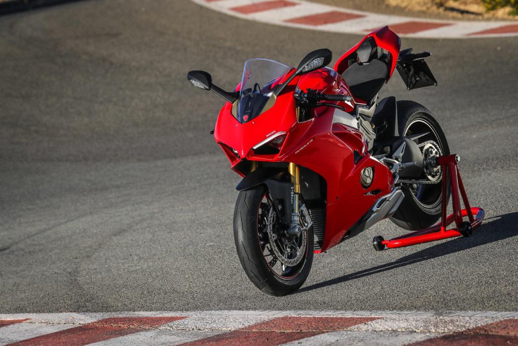 Ducati Panigale V4 PANIGALE V4 STATIC 03