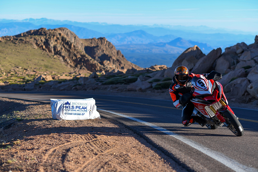 Ducati Pikes Peak International Hill Climb 2018 Multistrada 1260 Pikes Peak_UC66333_Low