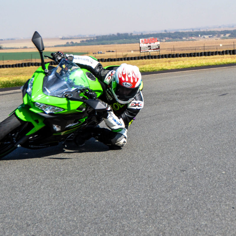 Review Kawasaki Ninja 400 This Bike Breaks All The Rules The