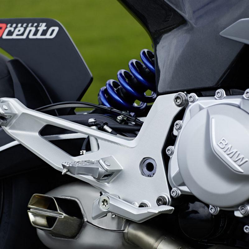 P90305665_9cento_bmw-motorrad-concept