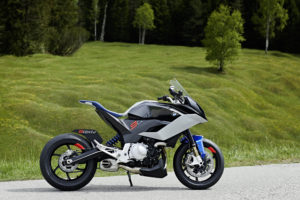 P90305667_9cento_bmw-motorrad-concept