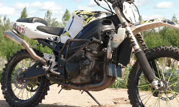 Video: Suzuki GSXR1000 dirt bike – because why not?