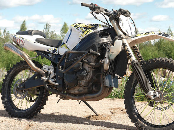 Video: Suzuki GSXR1000 dirt bike – because why not?