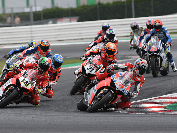 Video: WDW Race of Champions – the top Ducati racers slog it out
