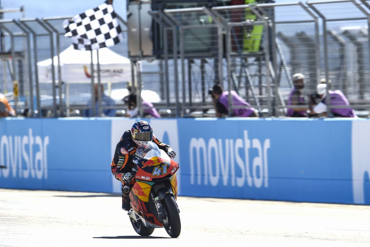 Brad Binder Aragon Moto2 Win flag