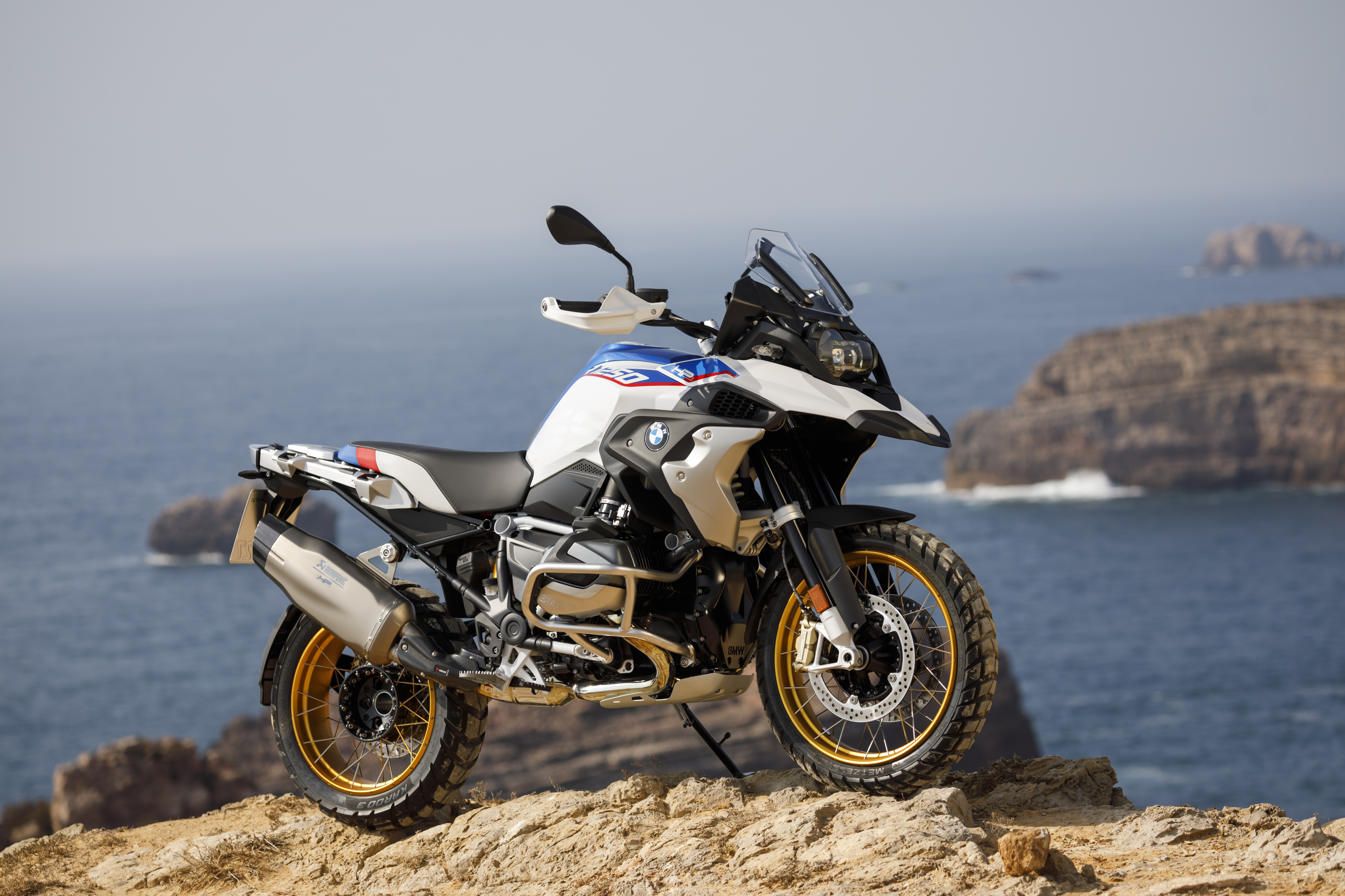 Scoop Review: BMW R 1250 GS in Portugal – The Bike Show on