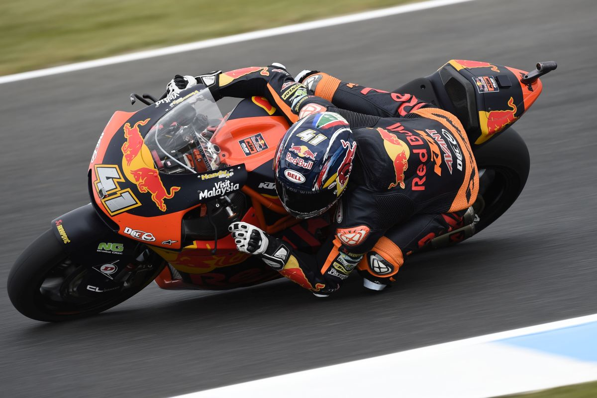 Brad Binder KTM Australia Moto2 Qualifying elbow