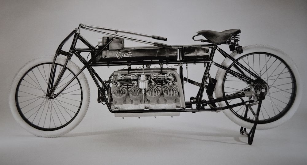 Motorcycle land speed record Curtis V8