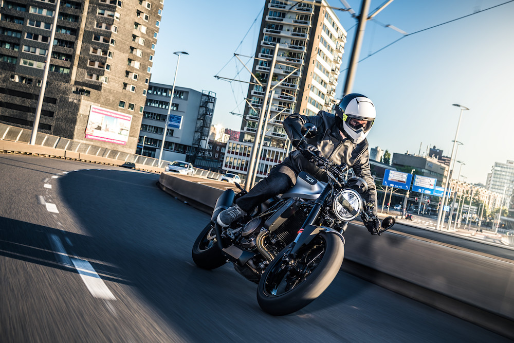 Pirelli Bike of the year 2018 finalist Husqvarna VITPILEN 701 2018 (45)