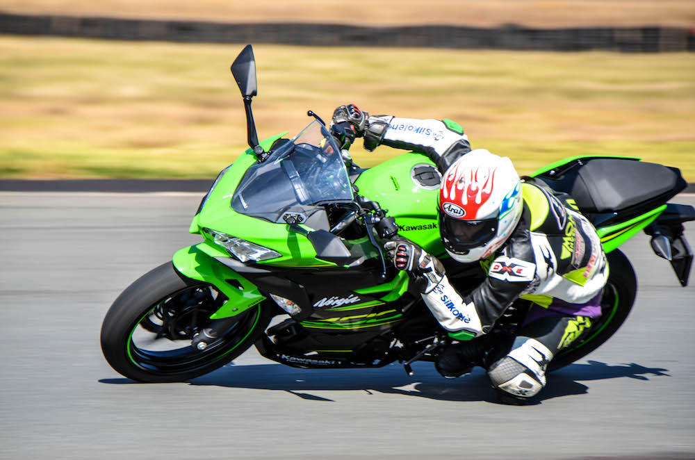 Pirelli Bike of the year 2018 finalist Kawasaki Ninja 400 Zoe Bosch Red Star 1868