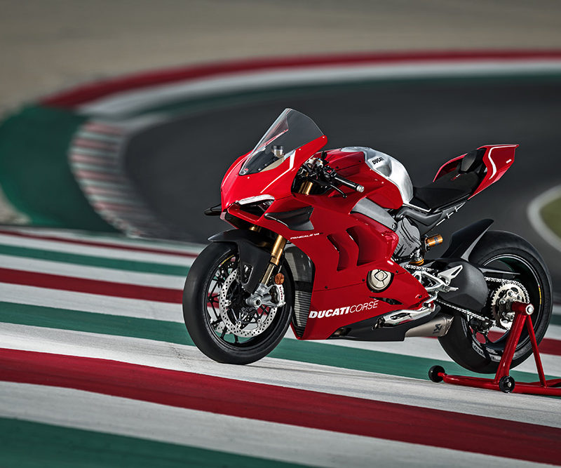 01_DUCATI PANIGALE V4 R ACTION_UC69239_Low