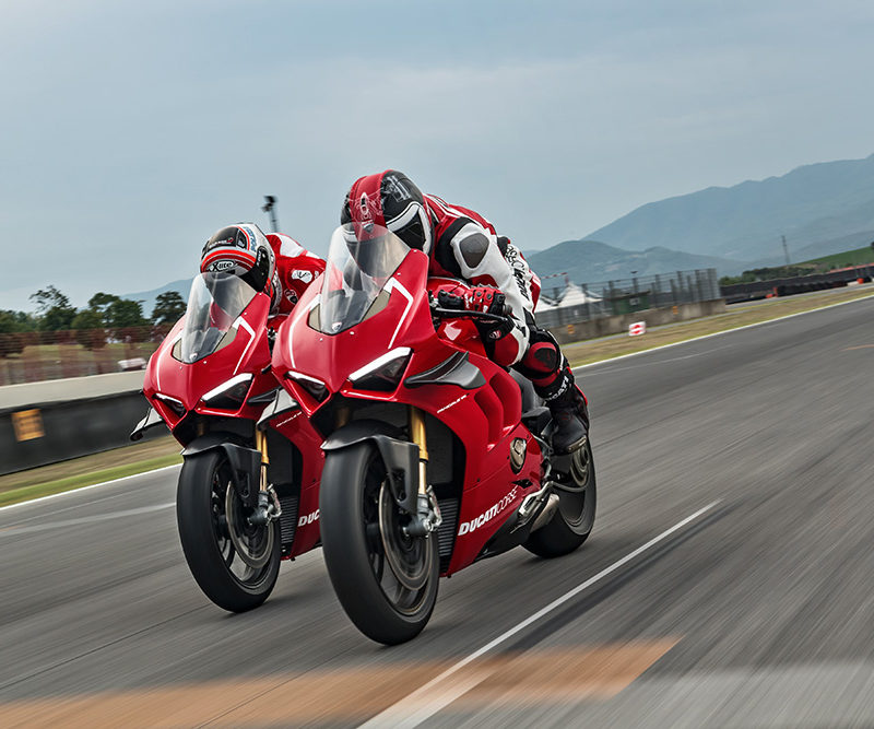 15_DUCATI PANIGALE V4 R ACTION_UC69252_Low