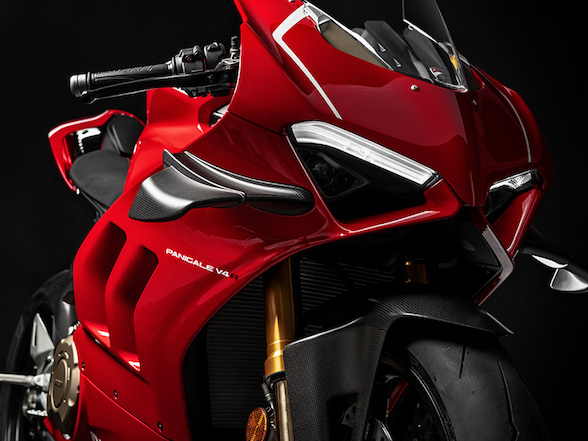 Ducati Panigale V4R: 221hp, lighter weight and wings