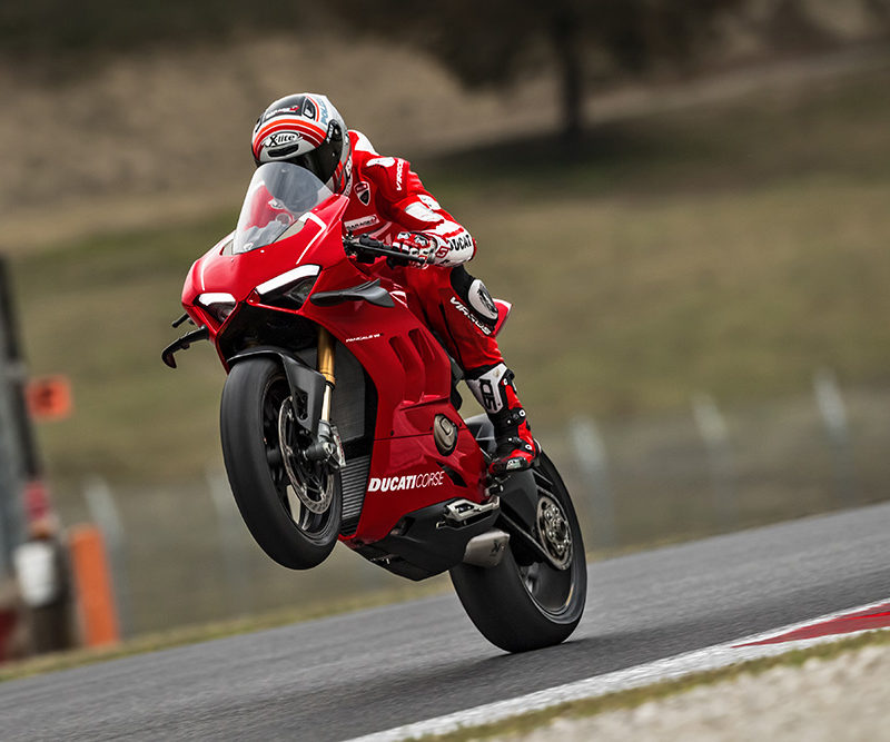 37_DUCATI PANIGALE V4 R ACTION_UC69274_Low