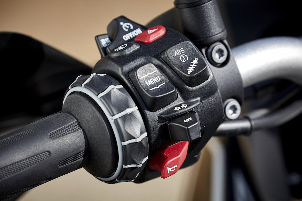 P90296031_F850 GS F750 GS Launch Cape Town switches