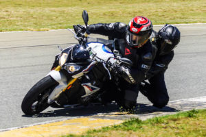 The BMW S1000R and knee sliding with a pillion