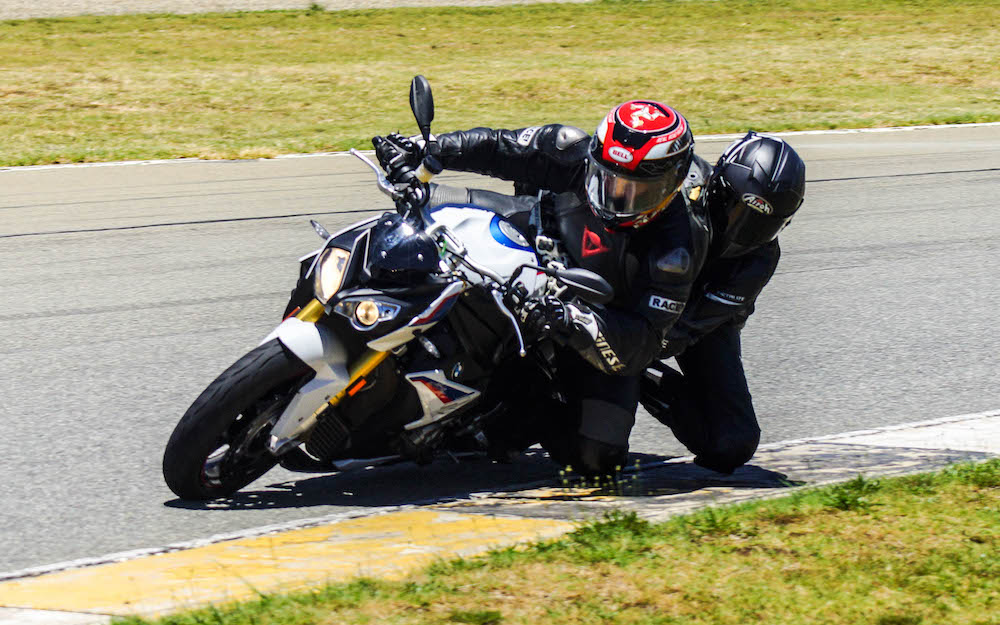 BMW S1000R pillion knee slide