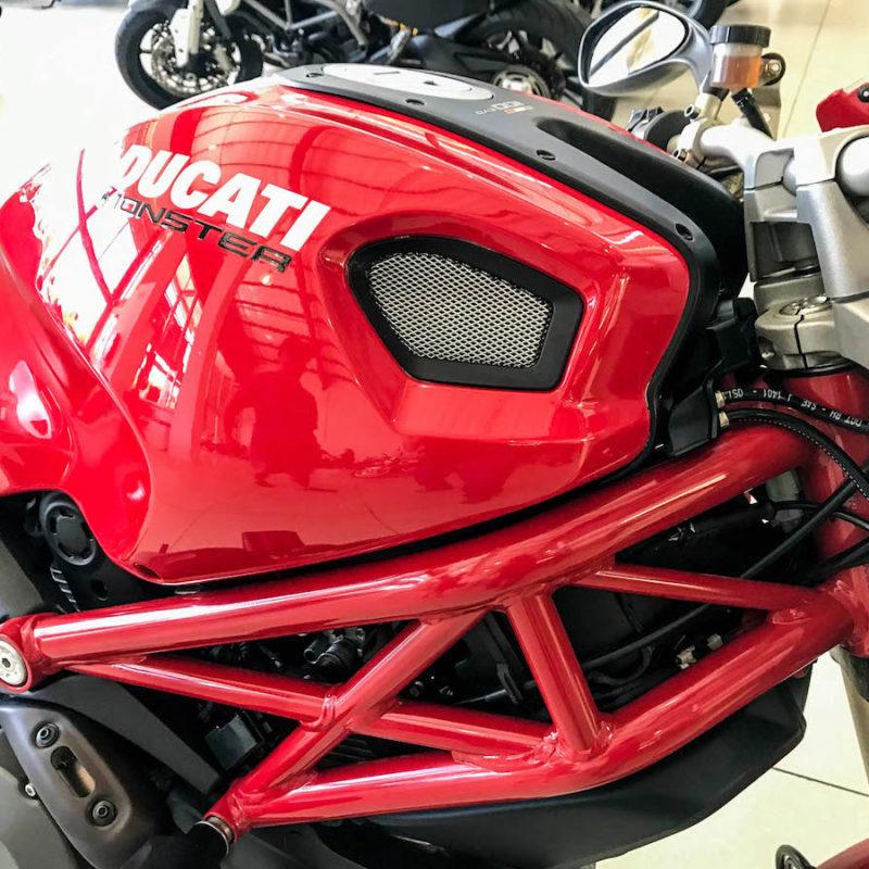 Fire It Up Ducati Monster 1100 Evo_8504-2