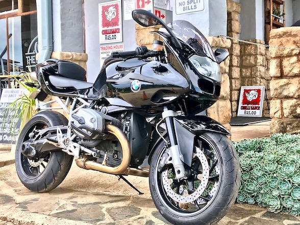 Fire It Up Friday Review: 2009 BMW R1200S – surprising race heritage