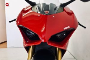 Fire It Up Friday Review: a four month old Ducati Panigale V4S R40,000 below the new price