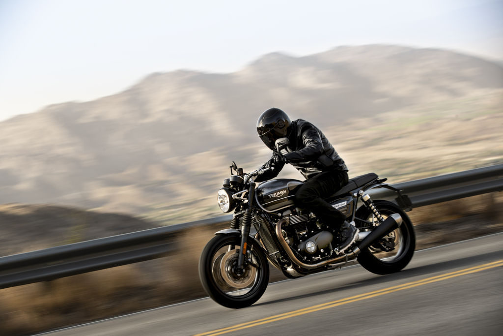 Triumph 2019_SPEED_TWIN_Riding_3.2935aa77