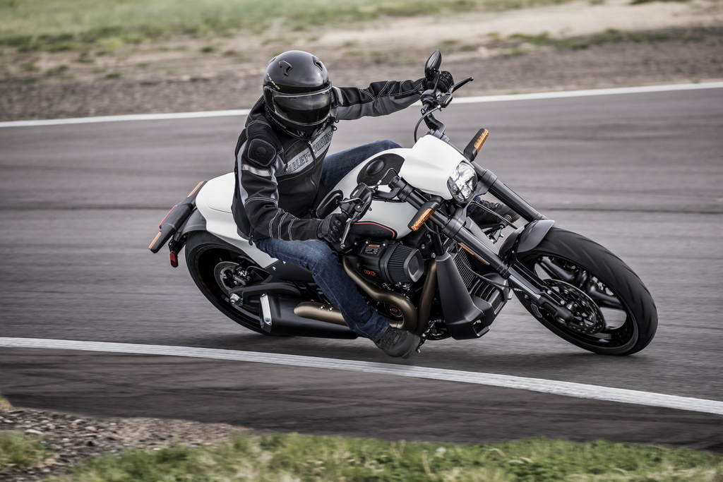 Opinion: Is the Harley-Davidson FXDR the coolest bike available today? – The Bike Show