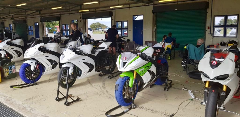 Phakisa Moto School Club track day secret 8e3619ec-d9c9-4456-be02-6f4cc608e92f