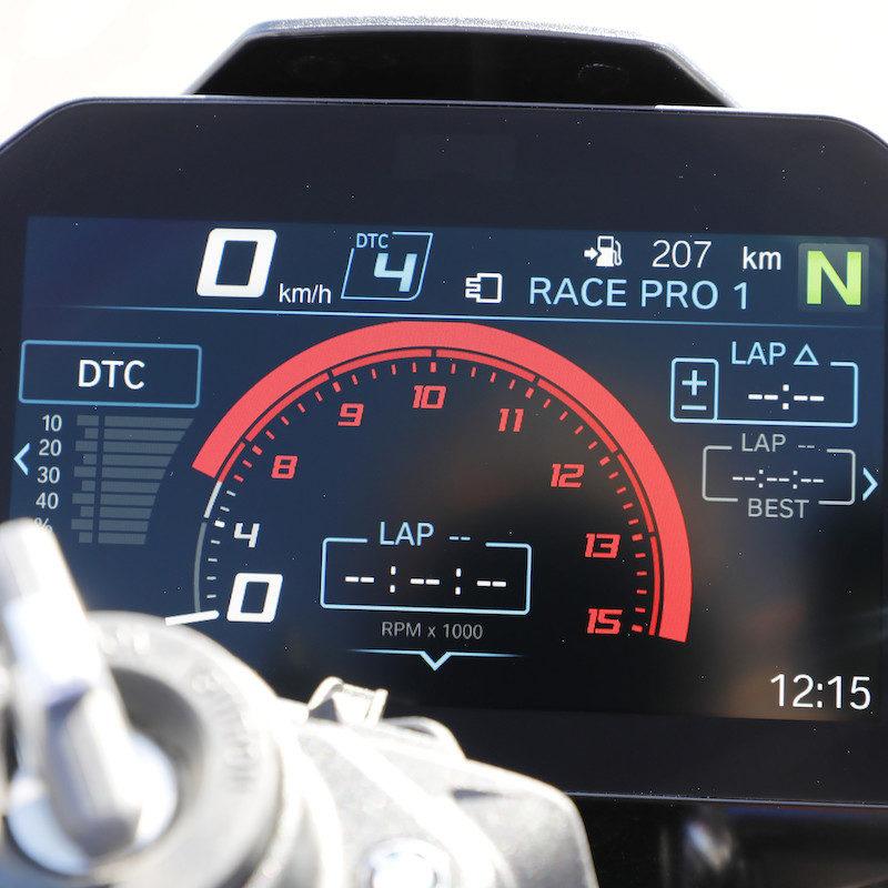 BMW S1000RR 2019 Launch RR race dash alt