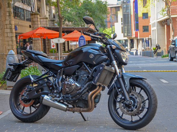 Fire It Up Friday Review: Yamaha MT-07 – small, fun and noisy