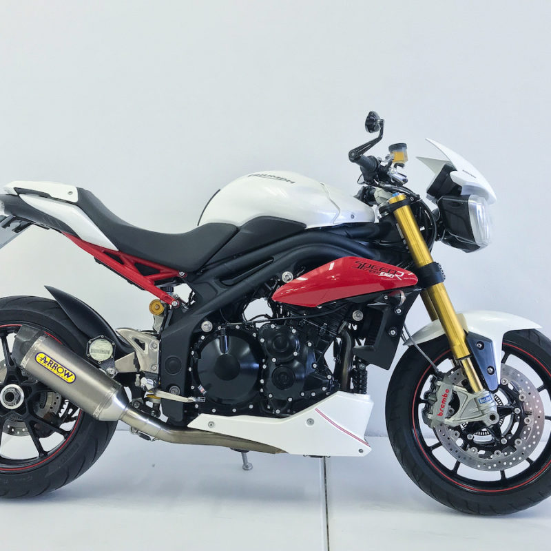 Fire it up Triumph Speed Triple R cleanest ceramic coating_9789
