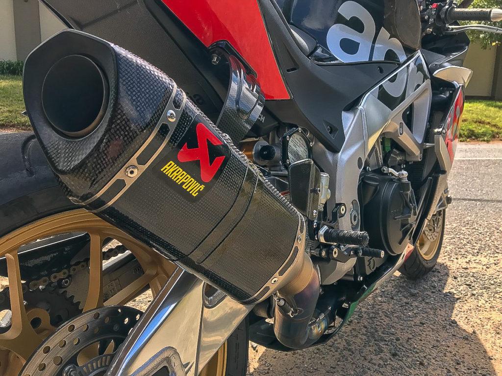 Aprilia RSV4 RF 2015 Fire It Up Review_9890