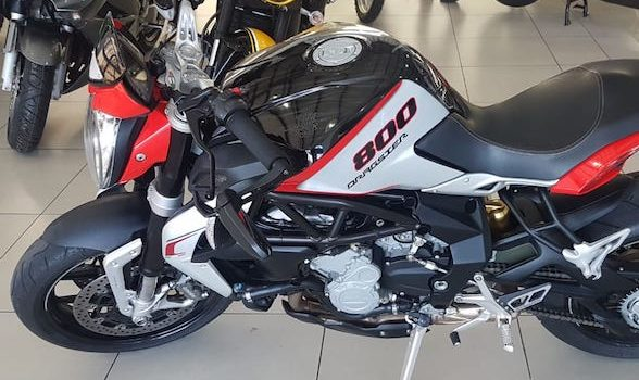 Fire It Up Review: MV Agusta Dragster 800