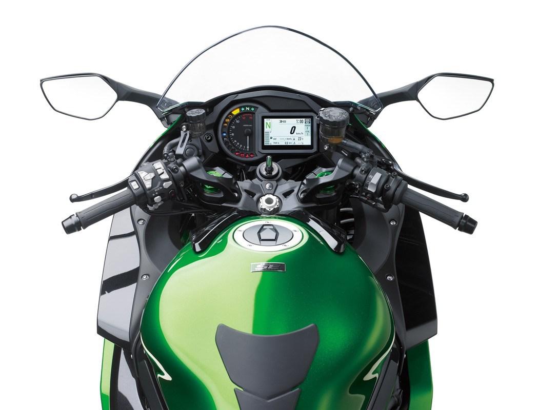 Kawasaki H2 SX SE dash cockpit