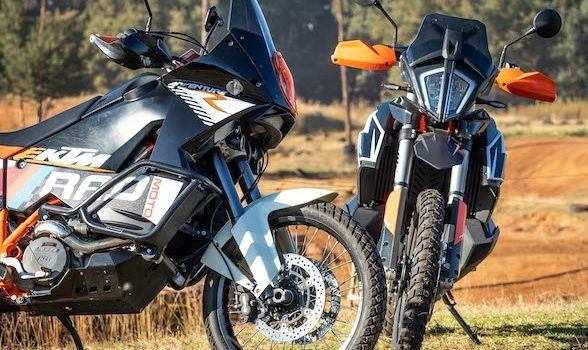 The battle for dirt supremacy: KTM 790 Adventure R vs KTM 990 Adventure R